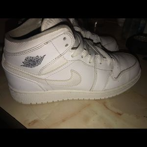 All white retro 1
